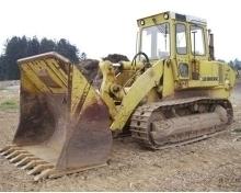 新疆挖掘机维修如果不及时换用粘度低的机油和燃油,发动机就很难起动。